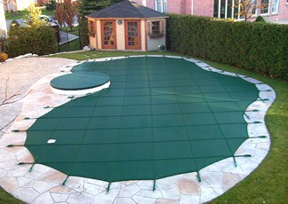 Protect Your Pool Cover In The Winter