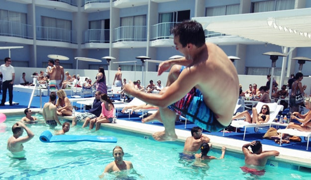 How To Keep Hotel Guests Safe Around The Swimming Pool